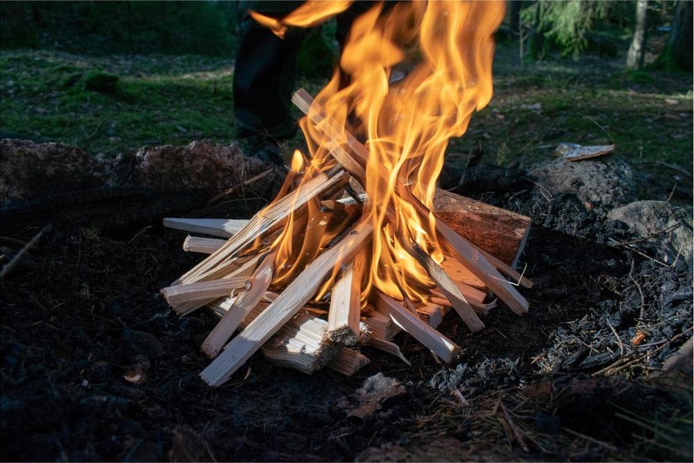 Zo-stookt-u-een-gezellig-vuurtje-op-een-verantwoorde-manier
