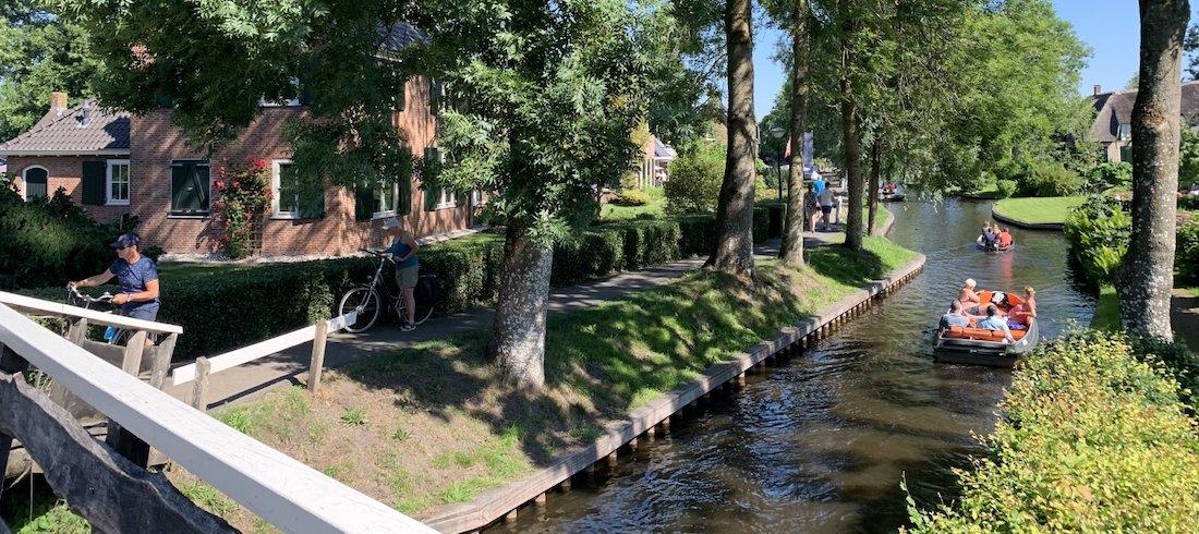 varen en fietsen in Giethoorn